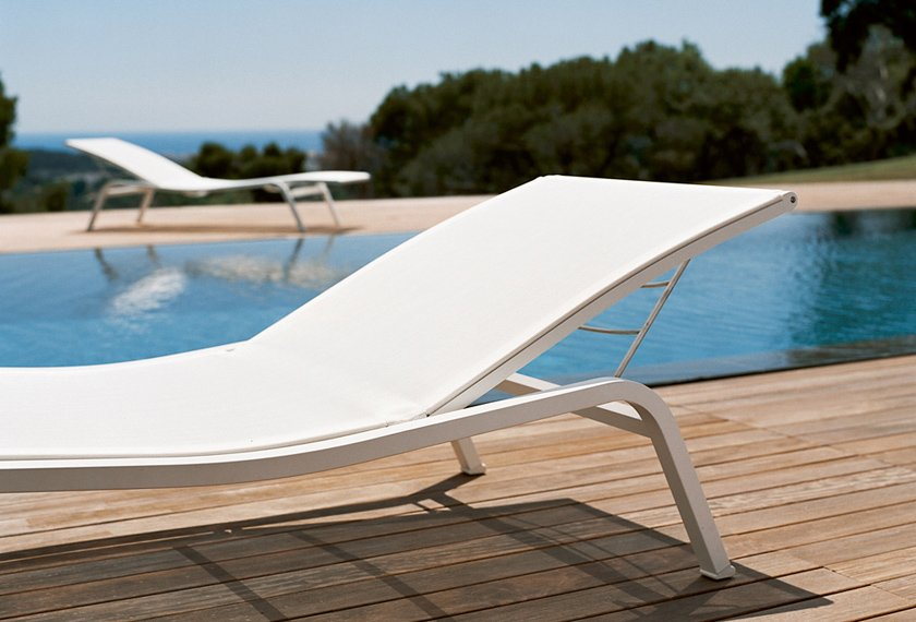 bain de soleil blanc detail piscine alize fermob. Black Bedroom Furniture Sets. Home Design Ideas