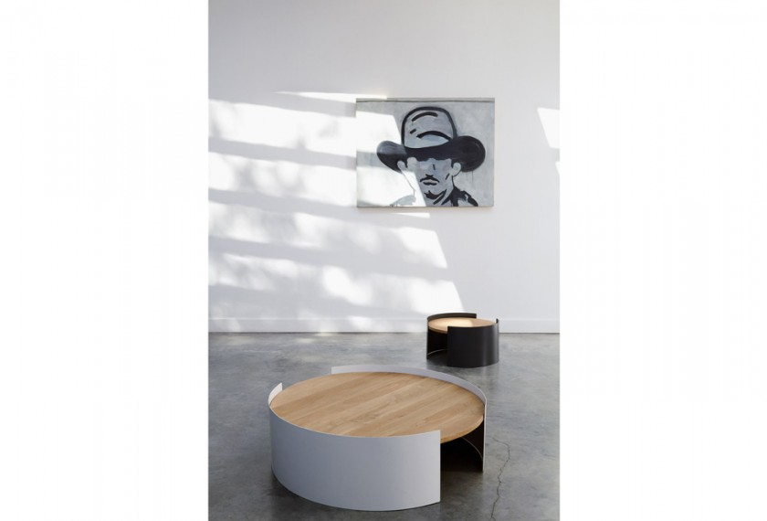 Table basse Moon, Universopositivo
